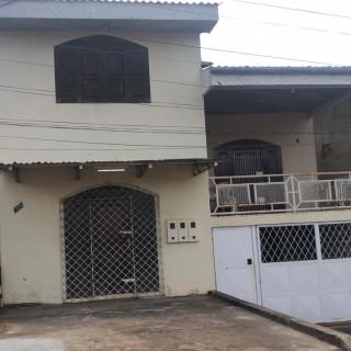 Imóvel com renda, contendo 03 apartamentos alugados