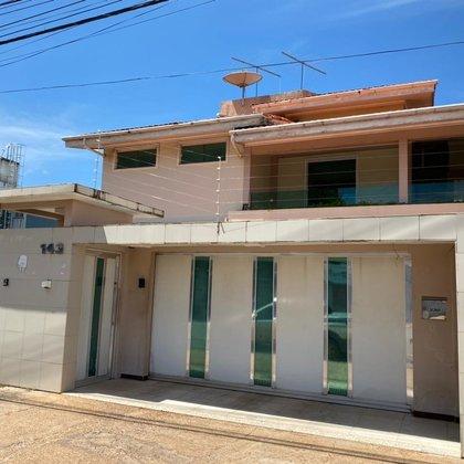 Casa com 05 quartos, excelente localização - Bairro Jardim Marco Zero